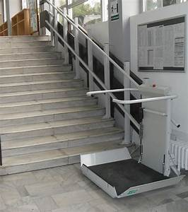 S7 sr inclined platform stair lift gt straight staircase for Chair lift for stairs