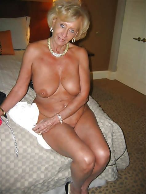 Sexy British GILF Sue | Mature Porn Photo