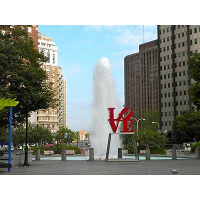 File:LOVE Park Philly.JPG - Wikimedia Commons