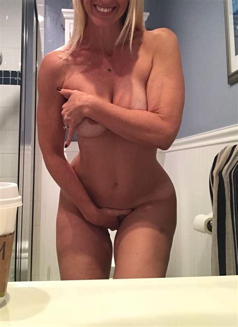 Hot Huge Fake Tits Blonde Milf Selfie Gallery – Milf Update