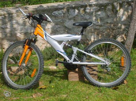 range velo suspendu decathlon 28 images leggere un annuncio proposta di vendita bicicletta