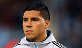 Valencia close in on Manchester United target Enzo Perez ...