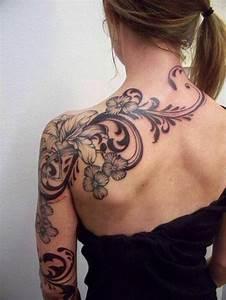 Tattoos Frauen Schulter : blumenranken tattoo 20 sch ne vorlagen f r diverse k rperstellen ~ Frokenaadalensverden.com Haus und Dekorationen