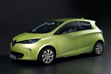 Ghosn First Renaultnissan Autonomous Vehicles Could Hit
