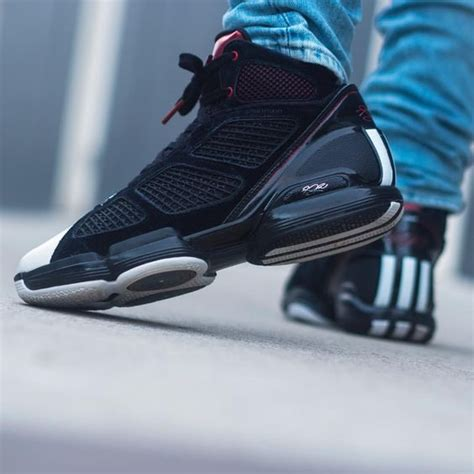grab  coolest basketball shoes  latest designs