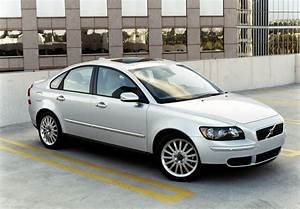 The Ultimate Car Guide  Volvo S40