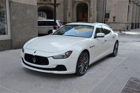 Maserati Car : White Maserati Ghibli