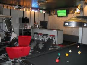Custom Garages with Pool Table