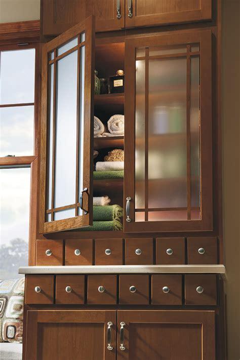 Shaker Mullion Cabinet Door with Frost Glass   Homecrest