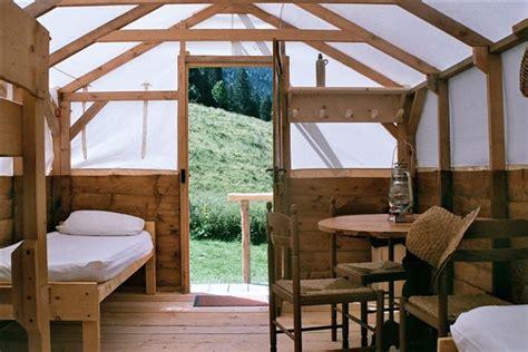chambre d hote divonne les bains idées weekend proche de lyon roulottes rhône alpes