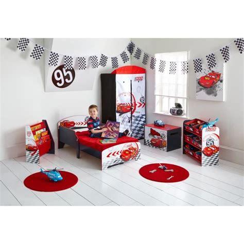 decoration cars pour chambre deco chambre bebe voiture