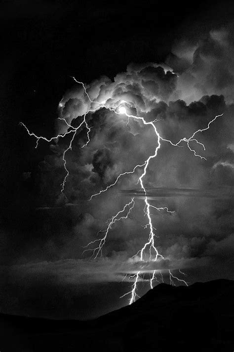Lightning can start from anywhere within clouds | It's in the air in 2019 | Lightning, Lightning