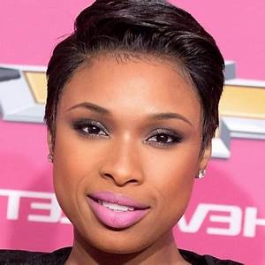 Coupe Courte Femme Noire Visage Rond : coupe de cheveux court femme africaine ~ Melissatoandfro.com Idées de Décoration