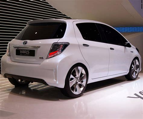 toyota sedan 2017 toyota yaris l to se all configuratons and prices