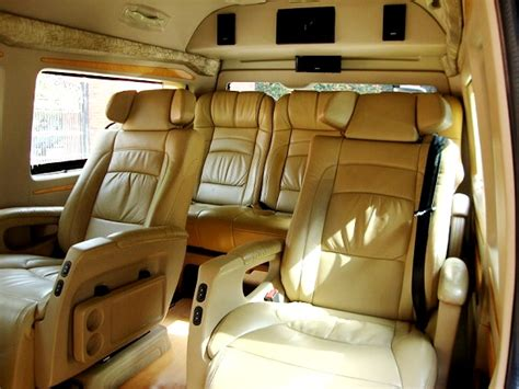 6 Seater Toyota Luxury Van  Toyota Hiace Hire Delhi