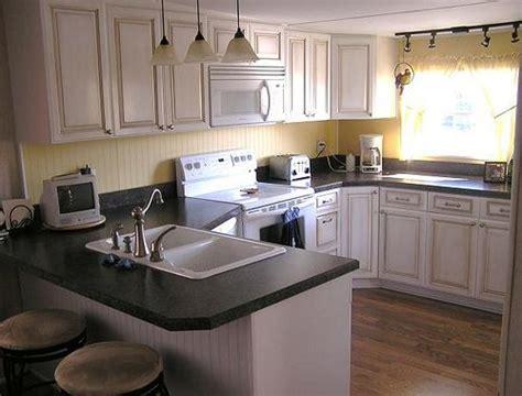 maple glazed kitchen  ft wide kitchen   sq feet