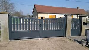 Portail En Aluminium : fabrication portail ou portillon sur mesure en aluminium ~ Melissatoandfro.com Idées de Décoration