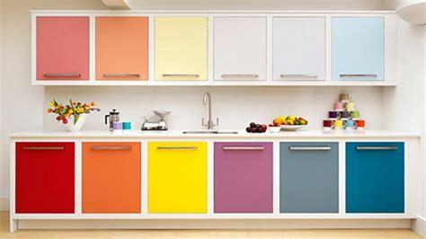 colorful kitchen cabinets ideas relooker sa cuisine sans trop d efforts et 224 petit prix 5568