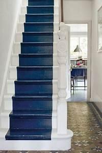 repeindre escalier en bois rustique couleur bleu marine et With delightful peindre rampe escalier bois 10 prix dun escalier en bois