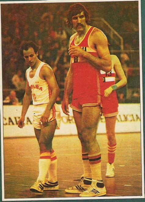 los  jugadores de baloncesto mas altos de la historia