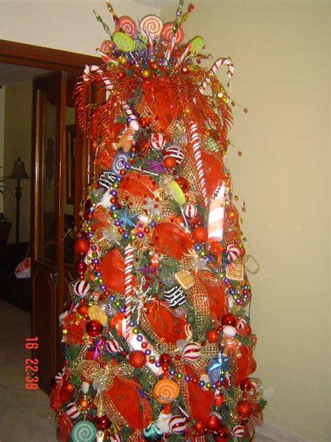 mundanacity christmas trees the good the bad the far