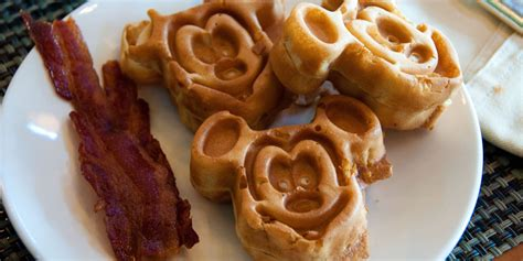 disney cuisine 11 disney treats that are totally worth a trip to the park