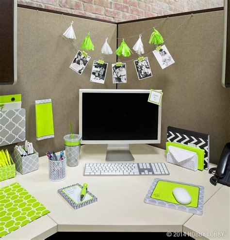 work desk decoration ideas 63 best cubicle decor images on pinterest bedrooms