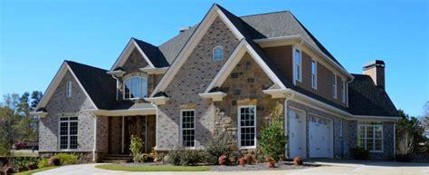 Aktuelles über Immobilien, Immobilienmakler Und