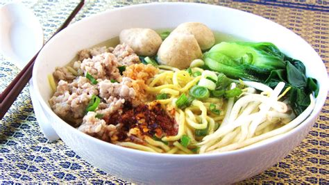 Super easy to make, kids can do it too! Let's eat......simple!: Ramen Noodle Soup with Pork Meatballs