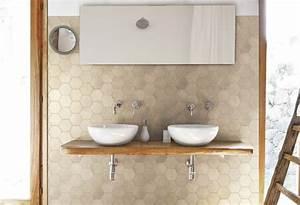 Waschtisch Mit Holzplatte : badideen 80 badfliesen ideen und moderne designs ~ Lizthompson.info Haus und Dekorationen