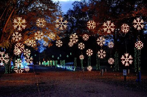 the dancing lights of christmas nashville tn 12 of the best christmas light displays in tennessee in 2016