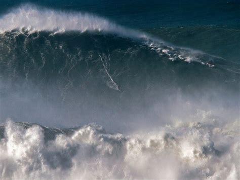 Big Wave Surfing Bing Wallpaper Download
