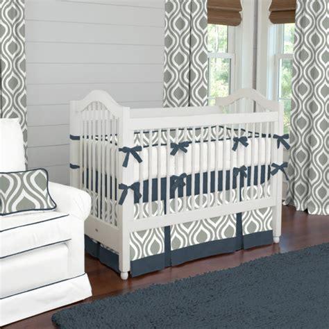 chambre en gris et blanc décoration chambre d enfant grise