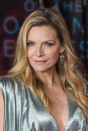 hairstyles michelle pfeiffer long layered hairstyle