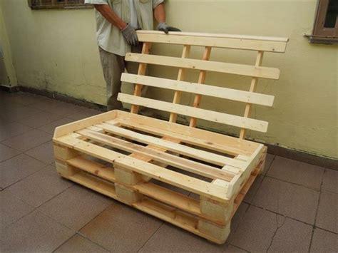 fabriquer canapé palette fabriquer un canape en palette maison design bahbe com