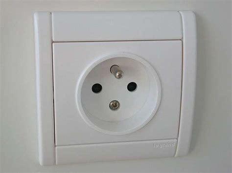 comment installer une prise de courant