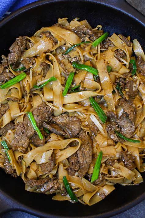 beef chow fun stir fried ho fun noodles tipbuzz