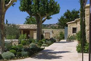 Un Mas En Provence : arredare un giardino in stile provenzale foto design mag ~ Farleysfitness.com Idées de Décoration
