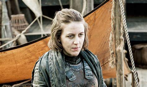 actress gemma in game of thrones game of thrones season 6 gemma whelan is back as yara