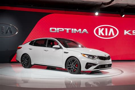 Updates Prioritize 2019 Kia Optima Over 2019 Sedona For