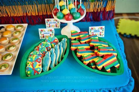karas party ideas rio themed  birthday jungle bird