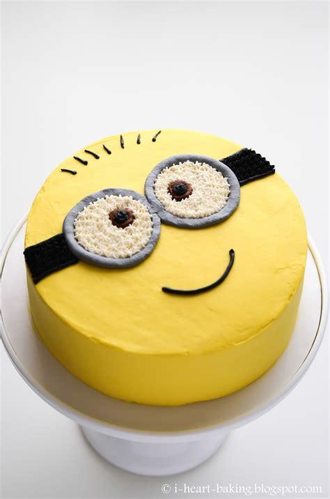 a of cake i baking minion cake