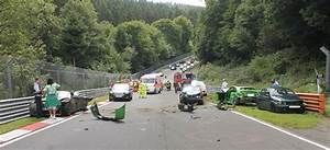 Nürburgring oil spill causes 10-car crash