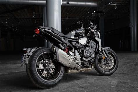honda cb1000r 2018 zubehör the new 2018 honda cb1000r is better than before bikesrepublic