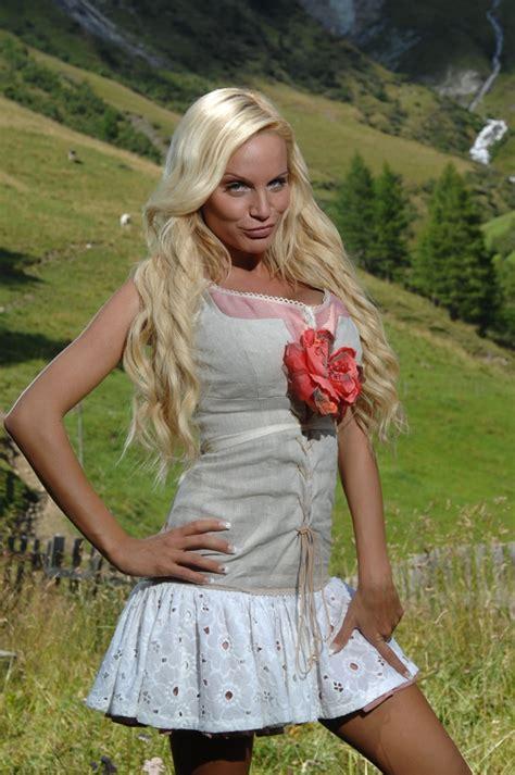 Das model trat in eine glasscherbe, schnitt sich den fuß auf. Gina-Lisa Lohfink: Von der Arzthelferin auf die Alm ...