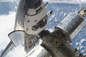 File:STS-132 Atlantis at ISS 1.jpg - Wikimedia Commons