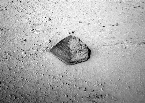Curiosity Rover Prepares to Shoot Mars Rock With Laser and ...