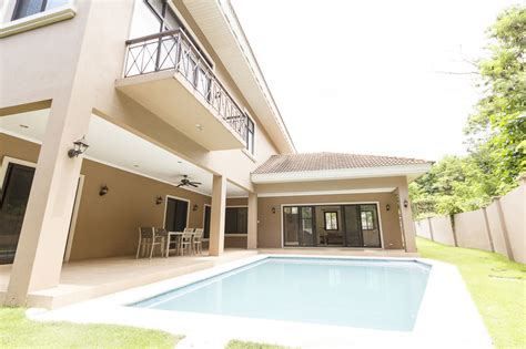 4 bedroom townhouse floor 4 bedroom house with swimming pool for rent in town