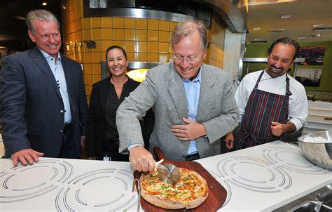 beverly hills california pizza kitchen unveils