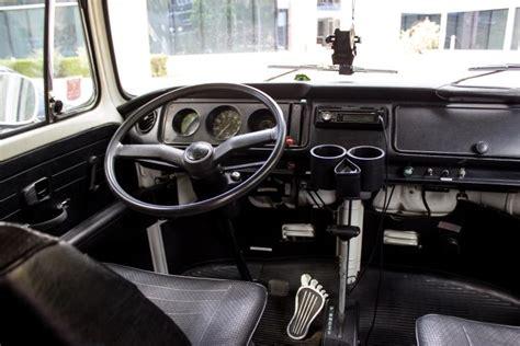 Volkswagen Vanagon V. Mercedes-benz S-class